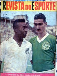 Capa da Revista do Esporte com uma foto colorida de Pelé com a camisa do Santos e Juninho Botelho com a camisa do Palmeiras, abraçados amigavelmente.